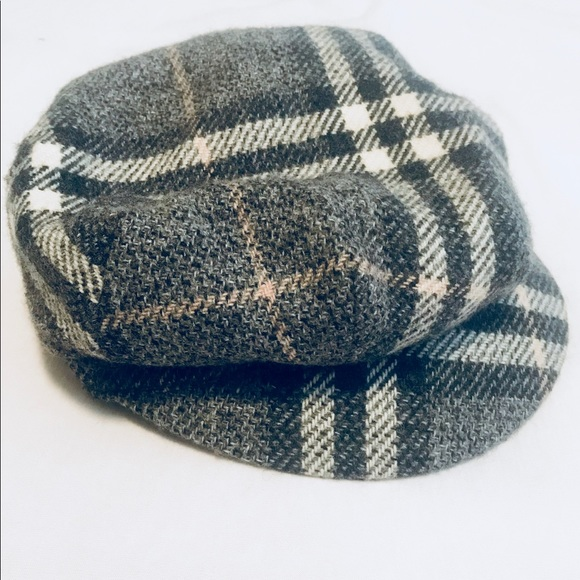 63495454f6f Burberry Accessories - Burberry wool hat